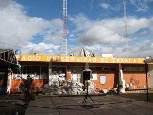 radio-universidad-nov06